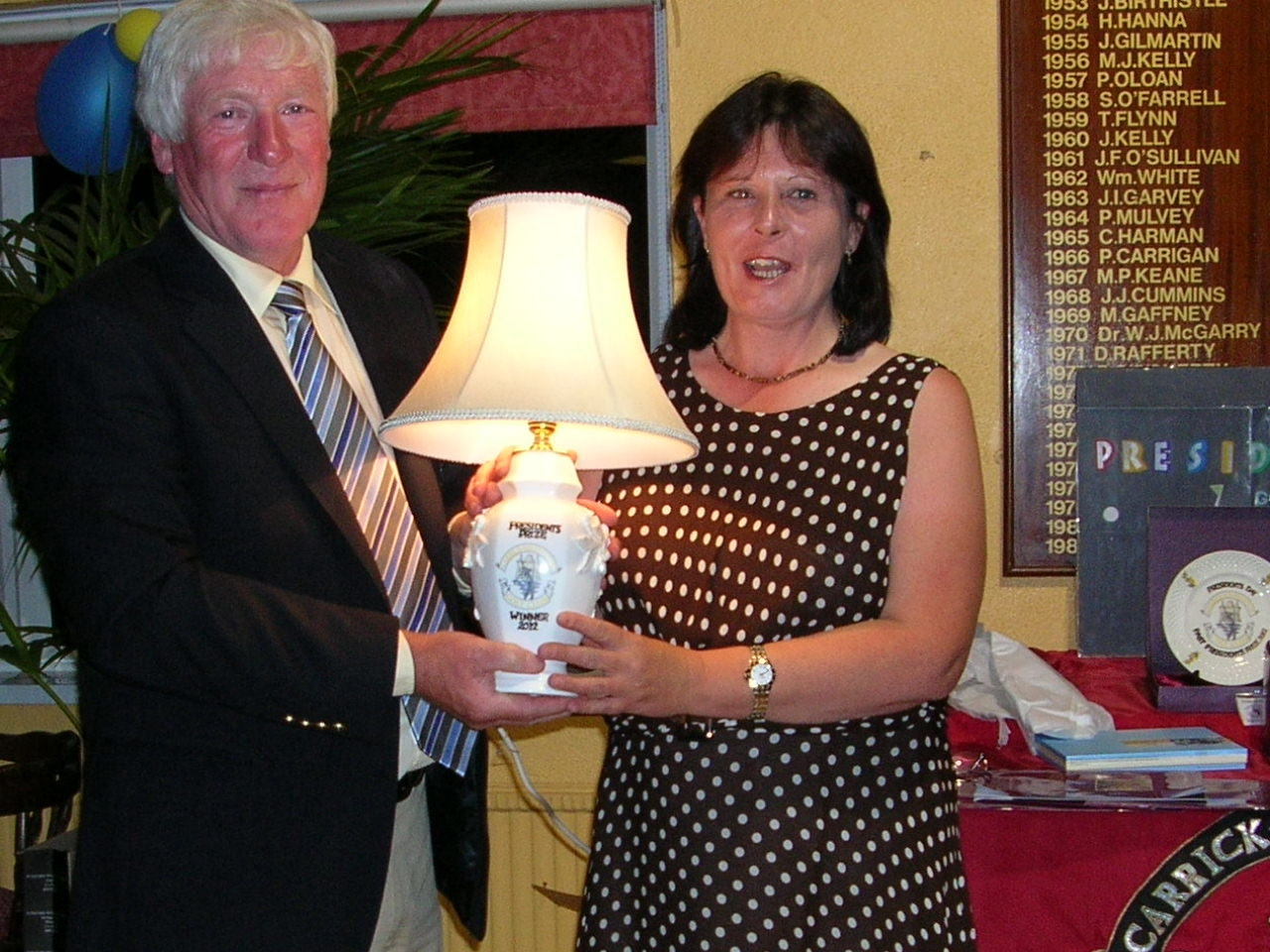 Brenda Kelly Winner President PJ Sharkeys Prize To Ladies 2012