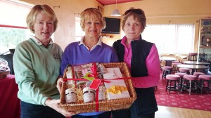 Molly Daly pictured receiving Third Prize in the Winter Alliance Captains Day from Captains Marie Leyden and Ann Cox
